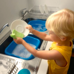 2019-08-12 - montessori-washing-dishes-1024x792